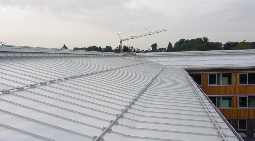 how to stop a metal roof from sweating